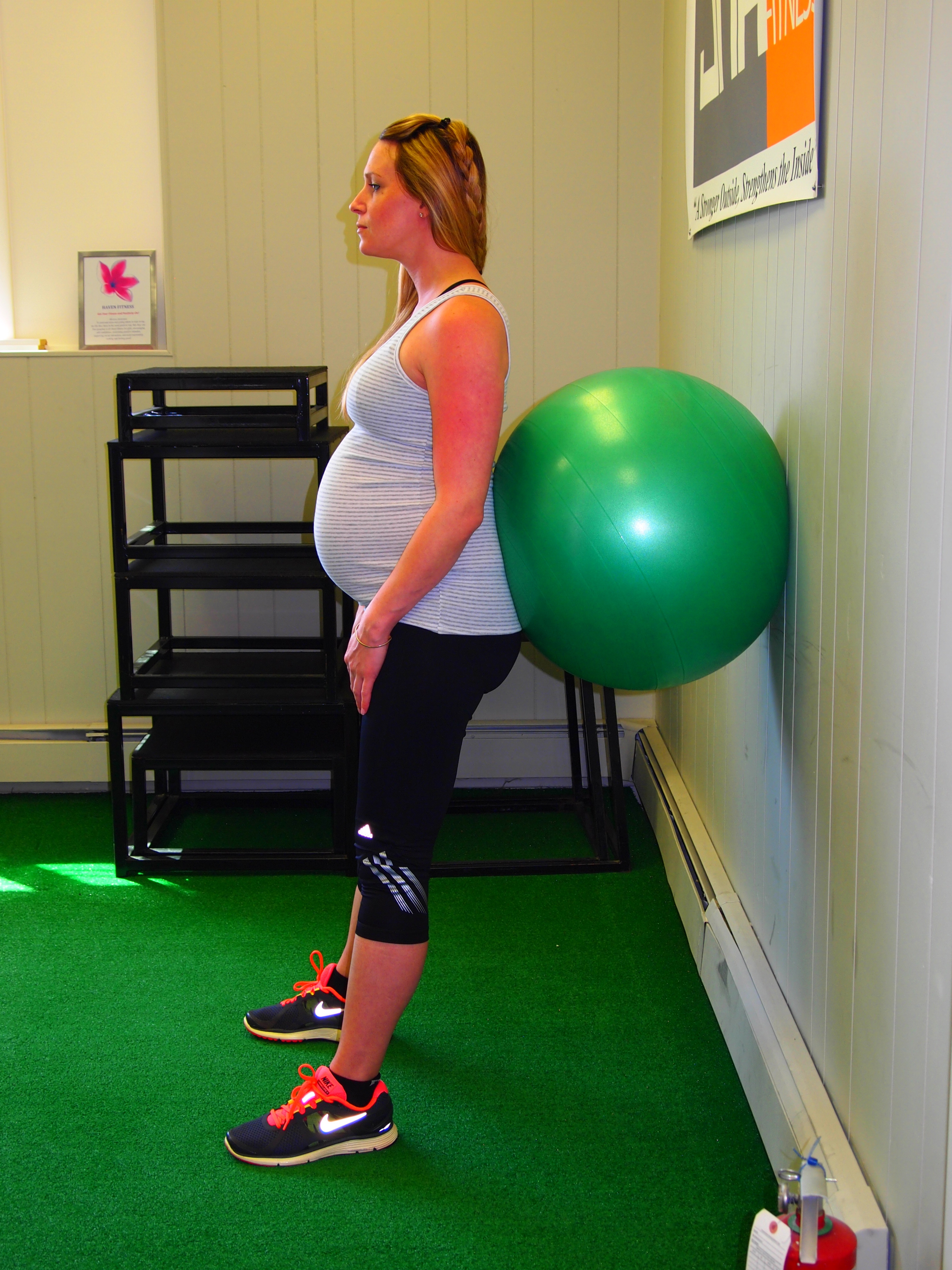 29 30 Weeks Pregnant Third Trimester Workout From A Fit